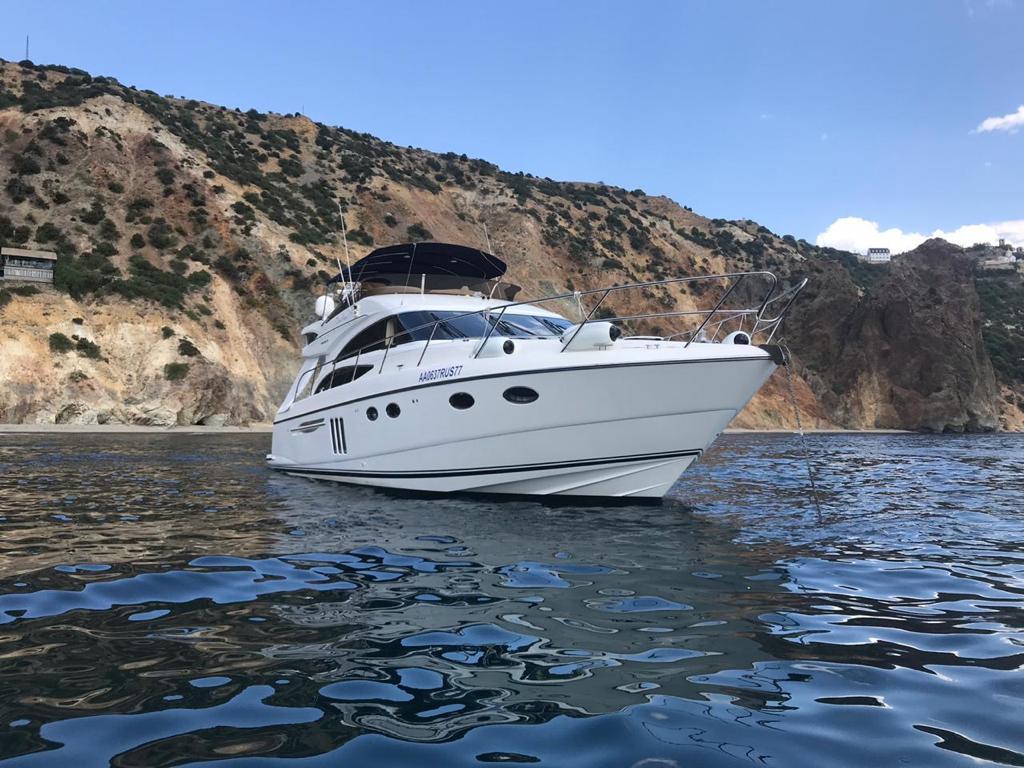 Яхта премиум класса PRINCESS 58